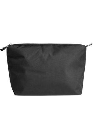Arket Medium Toiletry Bag