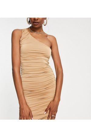 Missguided Stram oneshoulder kjole i sand-Neutral