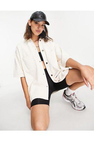 Topshop Ecrufarvet skjorte med korte ærmer fløjl - Del af sæt-Neutral