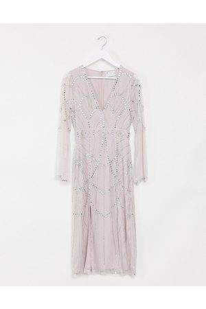 ASOS DESIGN Blushfarvet midikjole med udskæring og slidsede ærmer dekoreret med smykkesten-Lyserød