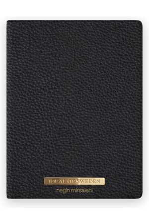 Ideal of sweden Pebbled Passport Cover Negin Black