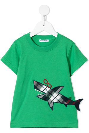 Familiar T-shirt med hajapplikation