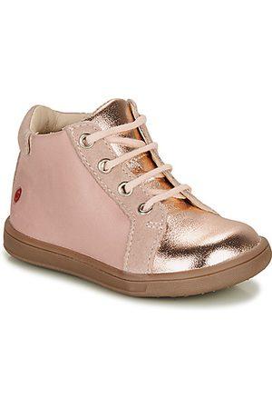 GBB Sneakers FAMIA