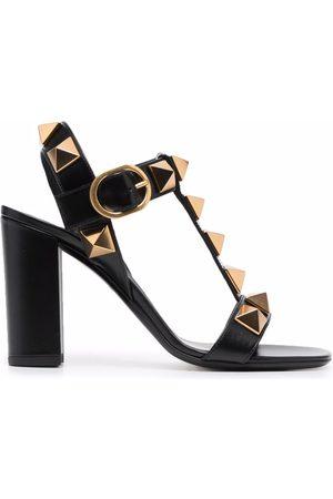 VALENTINO GARAVANI Kvinder Sandaler - Roman sandaler med blokhæl og nitter