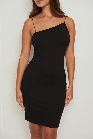 NA-KD Kvinder Asymmetriske kjoler - Asymmetrisk kjole