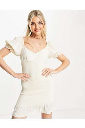 Skylar Rose Bodycon-kjole med hjerteformet udskæring og rynker