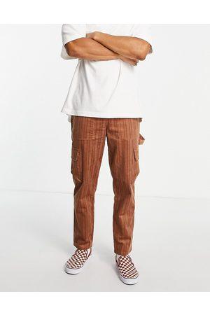 ASOS DESIGN Afslappede skater-bukser i brunt fløjl