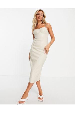 Missguided Bodycon-kjole i creme imiteret læder-Brun