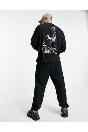 ASOS ASOS - Dark Future - Oversized langærmet T-shirt i med gotisk grafisk tryk