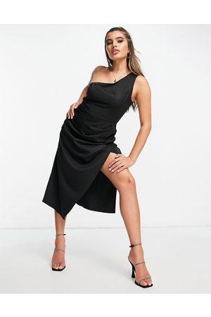 NA-KD Oneshoulder-kjole i